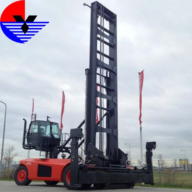 Xe nâng xếp container rỗng LINDE C90-7DB